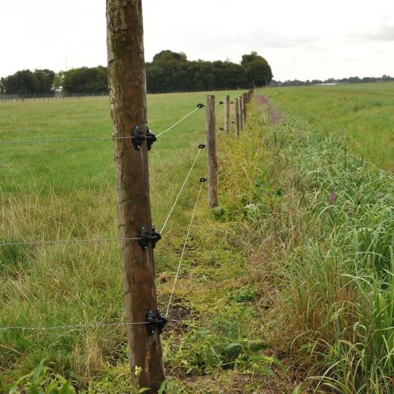 Agrovete - Isolador W Preto para Arame 4